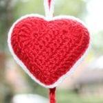 Rood gehaakt hartje