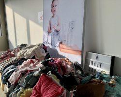 Naïf Zamelt In Voor Stichting Babyspullen